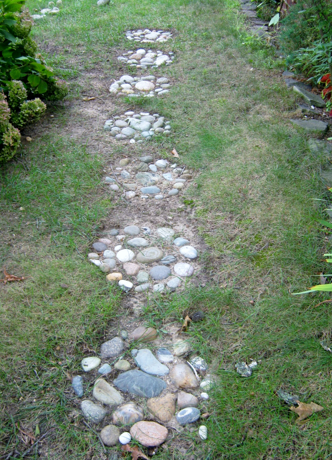Projects stepping stone walkway minding my p 39 s with q - Stepping stones for walkways ...