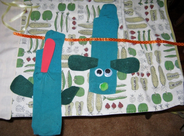 sleepover and sock puppets 020