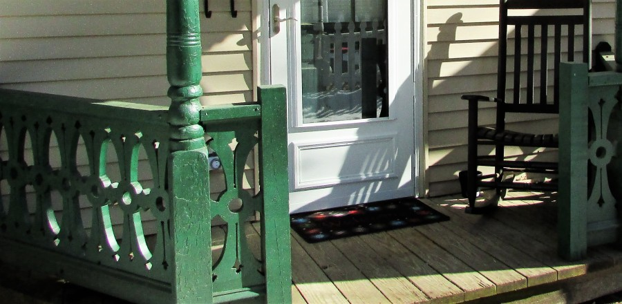 rainbow cottage featured photo