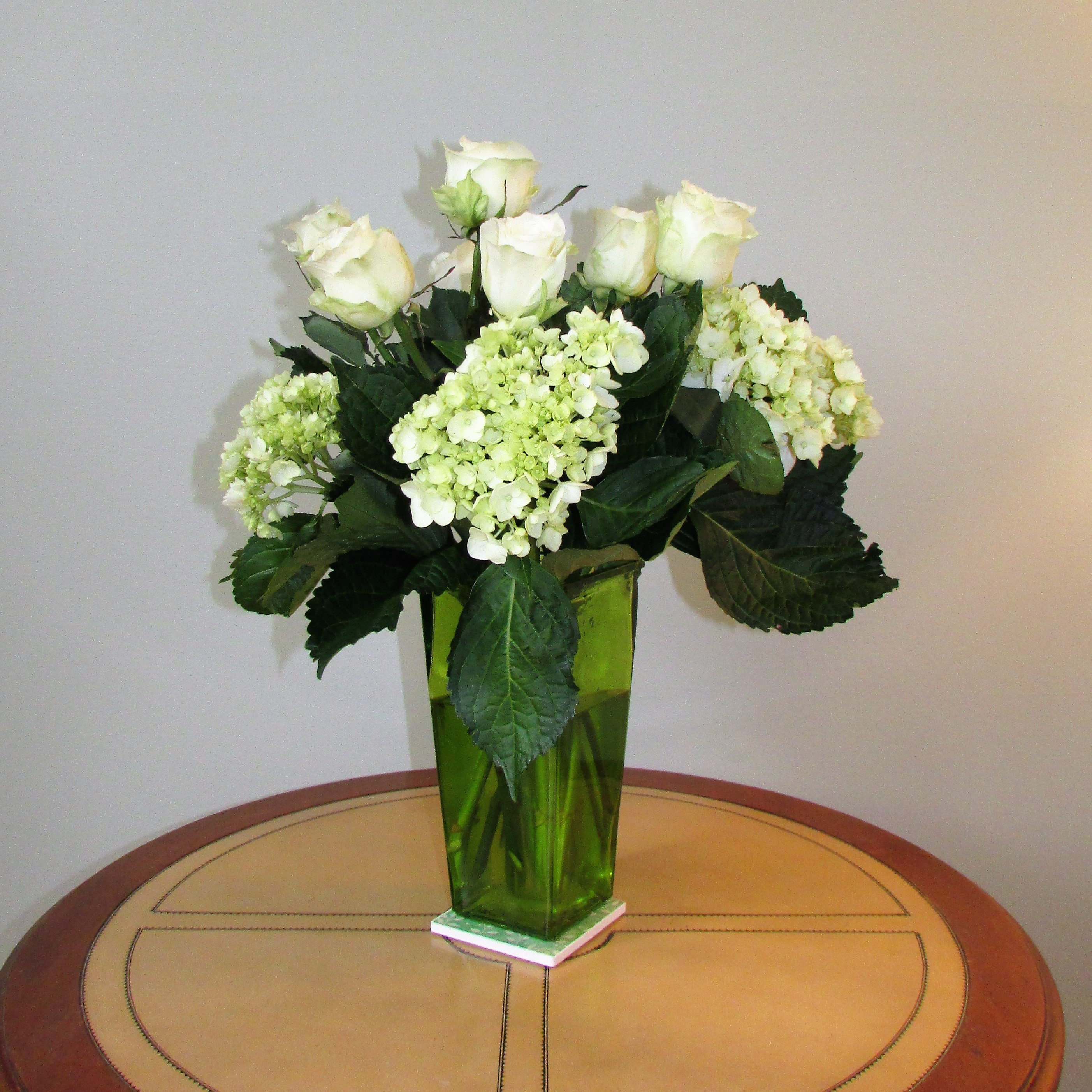 Creating a large bouquet for special occasions (Hint  Mother's Day is  coming!) can be easy, if you choose the right flowers. I used hydrangeas  and roses ...